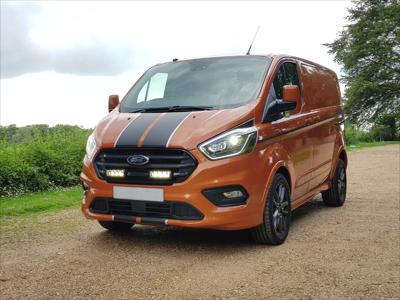 Lazer Lamps Kühlergrill-Kit Ford Transit Custom (2018+) inkl. 2x Triple-R 750 G2 Elite