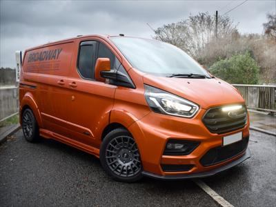 Lazer Lamps Halterungs-Kit  Ford Transit Custom MS-RT (2018+) for Linear-18